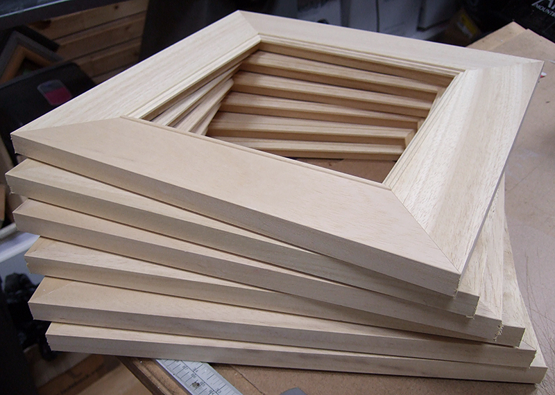 Picture frame construction corner joining with an for Picture frame corners